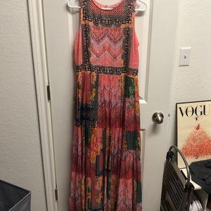 Beautiful print pattern maxi dress